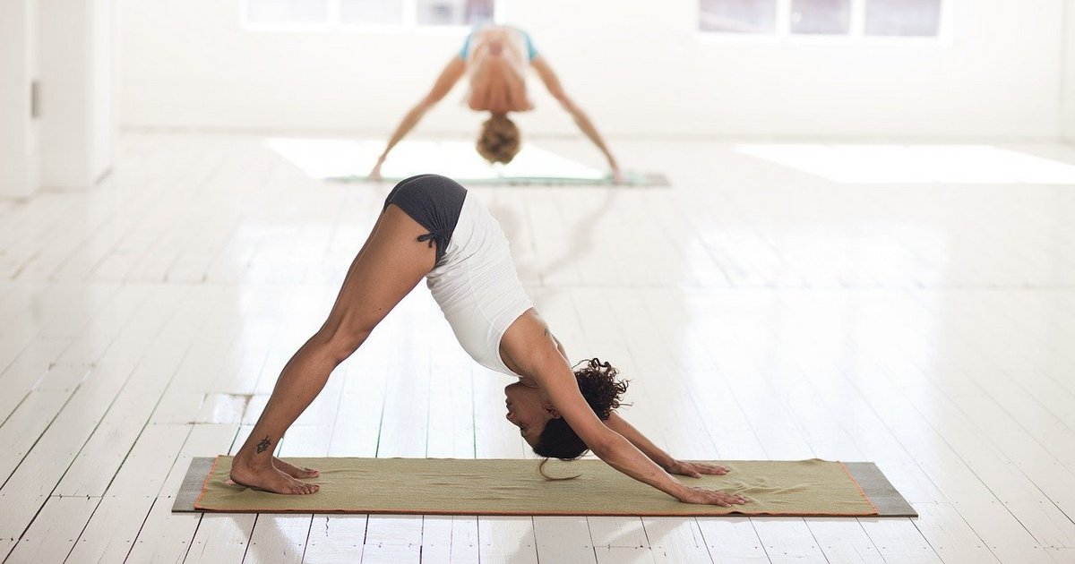 Os benefícios da yoga contemplam corpo e mente