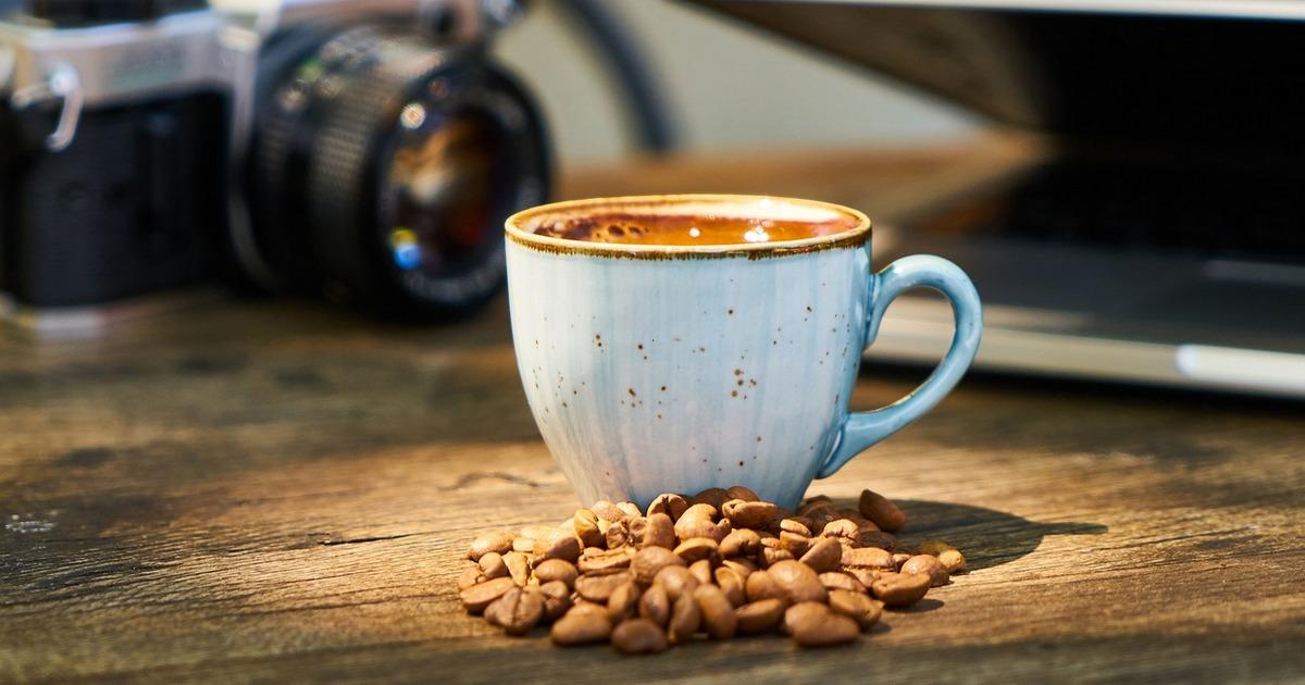 A técnica de coffee nap aumenta a energia e a disposição