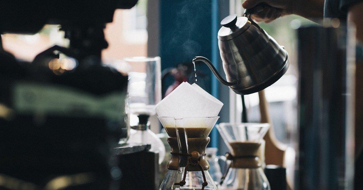 exageros no café contribuem para a fadiga adrenal