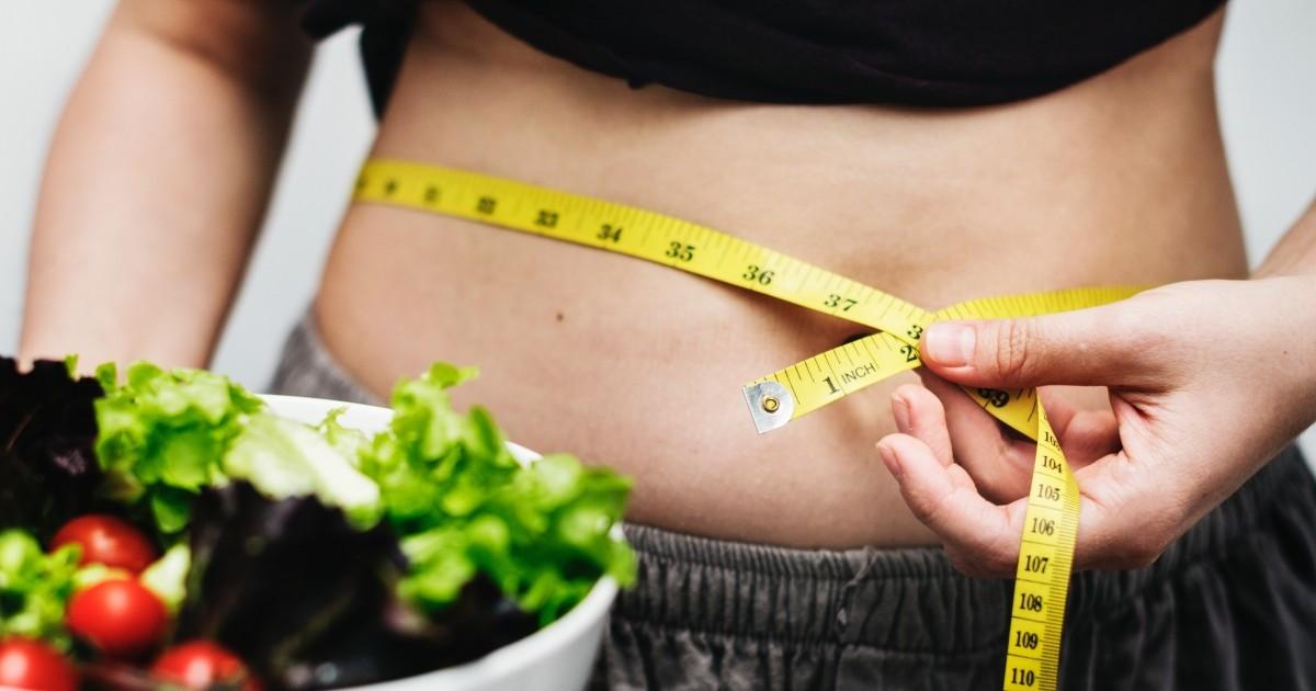 um dos benefícios da dieta low carb é o emagrecimento